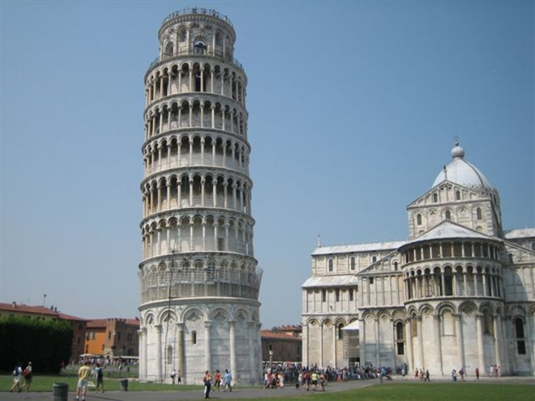 leaning tower of pisa - famous destinations in India and foreign look-alikes