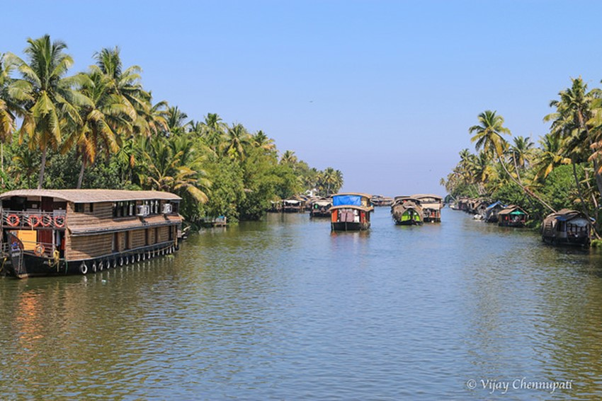 alleppey backwaters - famous destinations in India and foreign look-alikes